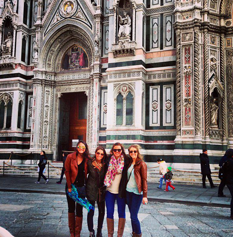 Group infront of the Duomo