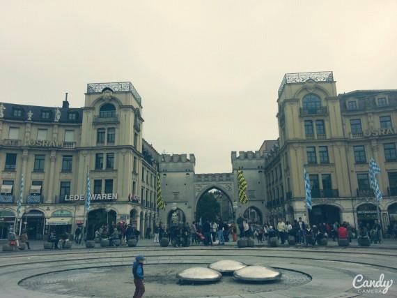 Wide plaza - Karls platz