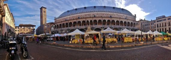 Panorama of Padova farmers' market